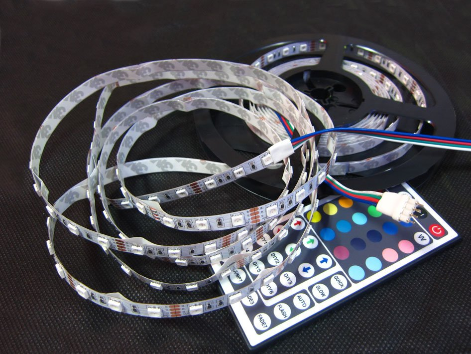 Free Shipping LED Strip Light Christmas adornment gifts RGB SMD 5050 150Leds 5m Non-Waterproof + 44 Keys IR Remote Controller(China (Mainland))