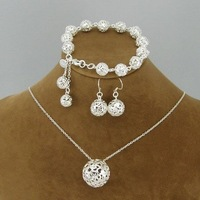 Wholesale silver fashion BALLS jewelry set.Necklace&bracelet&earring.Best quality.Free shipping.