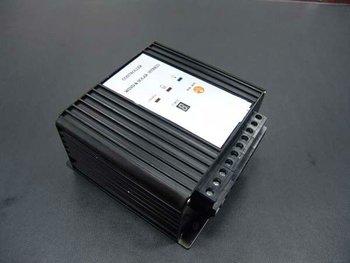 Viento digital de pantalla del controlador de carga híbrido solar 100W - 600W 12v / 24v conmutada auto