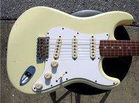 best guitar Custom Shop 1965 Strat Relic Vintage White Rosewood Fretboard