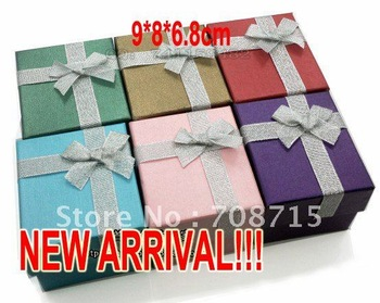 Free Shipping ! 30% off 6pcs/lot  8 x 9 x 6.8 cm Jewelry Packaging Watch Gift Box Gift Mix Color