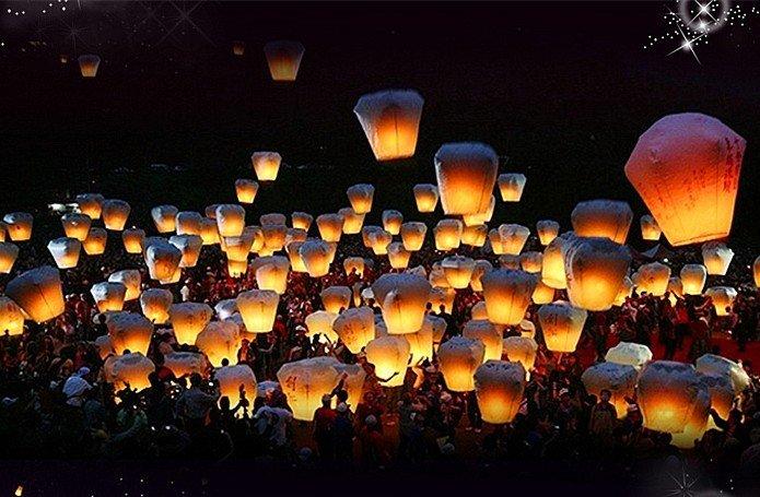 Wholesale -50pcs COLOURED SKY LANTERNS CHINESE Fay Balloon Christmas gift - Cylinder Sky Chinese Lanterns Free Shipping by EMS(China (Mainland))