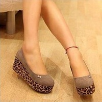 Free shipping , 2013 hotsales , ladies fashion high-heeled shoes ,women fashion sandals.Lady shoes Wholesale and retail
