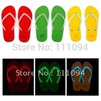 Men's clothing base 4 Color luminous Fluorescence couple models flip flops Beach slippers Fashionistas summer night essential