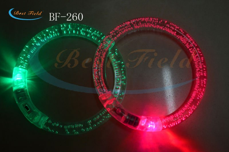 Free shipping 20pcs/lot 8.5cm acryl color changing led flashing light bracelet for party favors(China (Mainland))