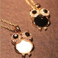 Fashion Lovely Crystsal Rhinestone Owl Necklace Jewelry wholesale(Black\White)! Freeshipping!--cRYSTAL sHOP