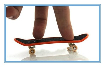 Free shipping 50pcs/lot Finger toy,multi-color Alloy+ABS Material Finger Skateboards good quality,Mini Skateboard