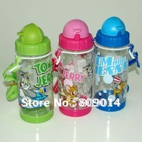 Free shipping, NEW arrival 400ml/14oz water drink bottle straw for school kids with transparent body and original Tom and Jerry