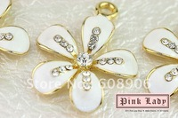 H130a Hot Sell Elegant White Flower with Clear Crystal Pendant Charm Wholesale (3pcs Xmas Gift