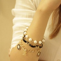 2013 New Arrival Korean Clover Pearl Bracelets Bangles Fashion Jewelry Charm Bracelets For Women Wholesale 2pcs/lot