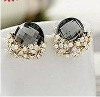 C2R14C Luxury Pearl Rhinestone Cubic Zirconia Stud Earrings
