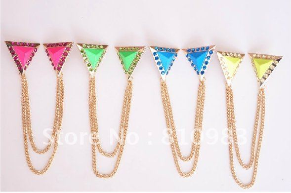 MIN ORDER:$30! Fashion new style triangle cheap rhinestone brooches free shipping(China (Mainland))