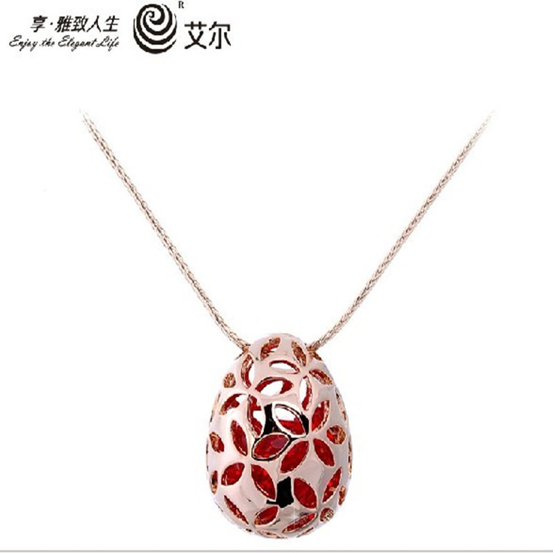 Wholesale free shipping EEL 2013 European retro Necklace Pendant engraved crystal pendant jewelry upscale transport(China (Mainland))