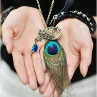 Free shipping Fashion Gorgeous  Rhinestone Beauty Peacock  Feather necklace Statement Women jewelry for women wholesale PT33