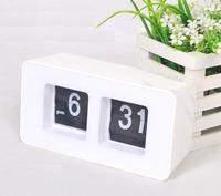 tabel Retro Flip Clock square  Retro Digital Auto Flip Page Desk Gear Clock Alarm white color
