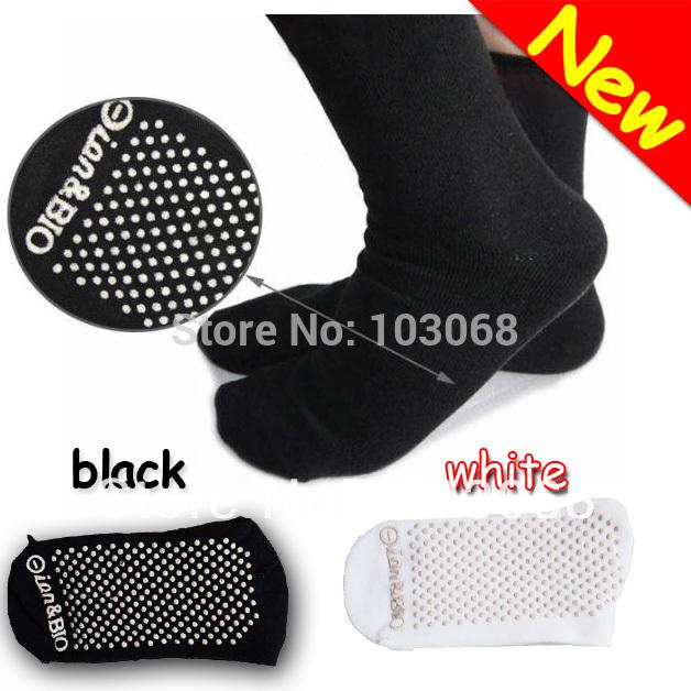 New Tourmaline Automatic Heat Ankle Sock Massage Foot Massager Far infrared Anti Cold(China (Mainland))