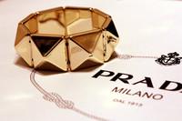 Free Shipping 2013 New Arrivals Gold Punk pylamid stud bangles bracelet elastic Bracelet stretch jewelry bangle gold tone finish