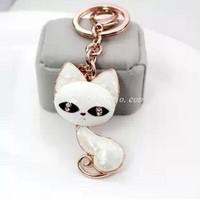 Big eyes cute cat keychain seashells