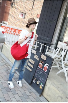 Free shippin--2013 fashion shoulder leisure canvas bag,casual women messenger bag,designer backpacks high quality women fur