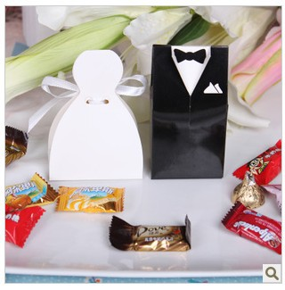 Free shipping 200pcs Bride and Groom Wedding Favor Boxes gift box candy box