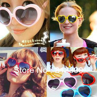 Lovely heart-shaped sunglasses and trendsetter modeling love glasses Lolita summer candy color heart Sunglasses,YJ001