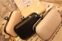2013 serpentine pattern skull day clutch chain vintage bag one shoulder small bag female bags