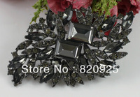 1 X Grey Crystal Square Rhinestone Gun Black Brooch Pin Fashion Jewelry