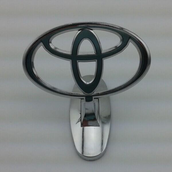 online get cheap toyota hood emblem alibaba group. Black Bedroom Furniture Sets. Home Design Ideas