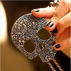 Min Order 15$ Free Shipping 2013 Newest Vintage Punk Style Skull Necklaces 2013 jewelry Good Quality Wholesale Hot BL0324(China (Mainland))