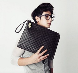 2013 male bags embossed woven bag shoulder fashion men bag casual day briefcase clutch commercial envelope bag free shipping(China (Mainland))