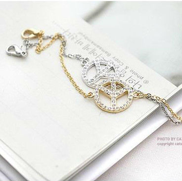 FREE SHIPPING Women Fashion Accessories Logo Sparkling Bracelets Jewelry Female Elegant Bracelet Bangles(China (Mainland))