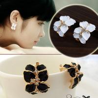 New leaf created diamond earrings female models the star quality high-end Clip Earrings Bohemian style imitation allergy