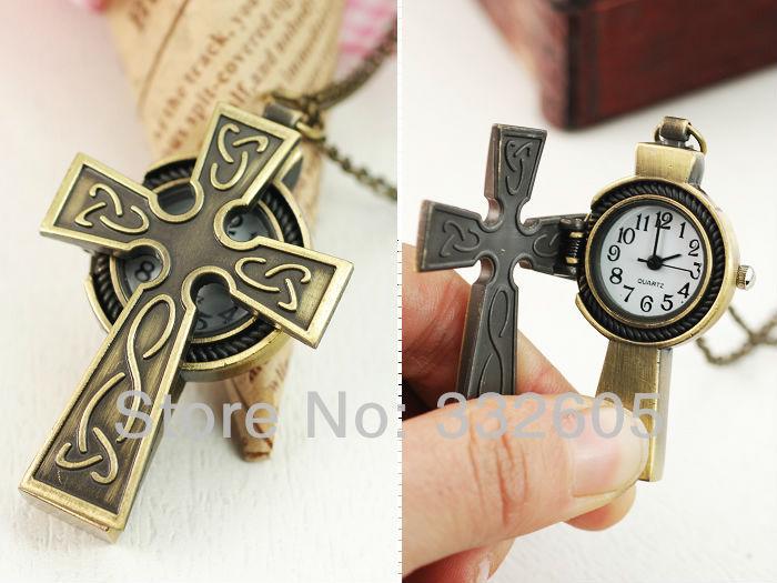 Vente en gros! Chrétienne. mignon rétro collier croix de bronze mens montres de poche montres femmes montres meilleur cadeau horloge étudiant