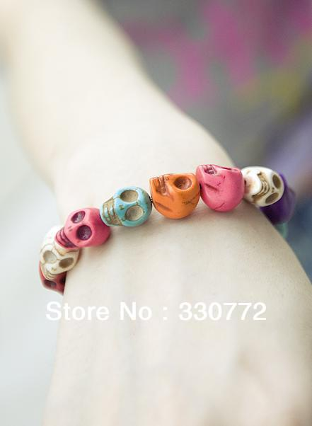 Free shipping! (Min. order is $15,mixed order)Korean jewelry tide girl favorite color skull stretch bracelet/D3OC0010(China (Mainland))