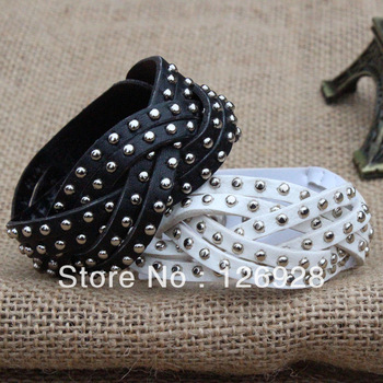 Cheap wholesale + Free Shipping!Couple Punk Rock Hand Chain PU Leather Rivet Spike Cuff Bracelet Wristband Bangle Black White