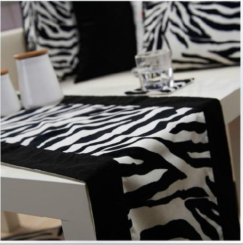 Designer black and white table runner /designer table runners/wedding table runner free shiping(China (Mainland))
