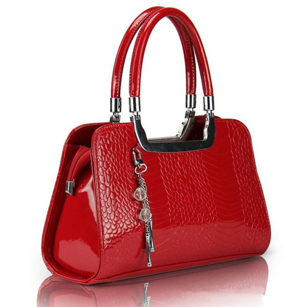 2013 New arrival hot sell 8 colors fashion ladies patent leather handbags women's fish scales crystal pendants hand bag tote(China (Mainland))