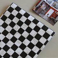 Free Shipping 2013 Waterproof Pvc Wallpaper Black and White Square Grid Pattern Wallsticker10 Meters Long 45cm Width xqw141
