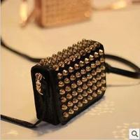 New 2014 Bolsas Femininas Fashion Casual Vintage Punk Rivet PU Leather Handbag Women Messenger Bags Shoulder Bag Small Clutch
