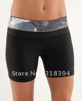 yoga apparel lululemon Groove Short black/WCTC size:10,12