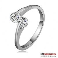 LZESHINE Brand Love Ring New Jewelry Platinum Weeding Ring SWA Element Austrian Crystal Proposal Ring Free Shipping CRI0115-B