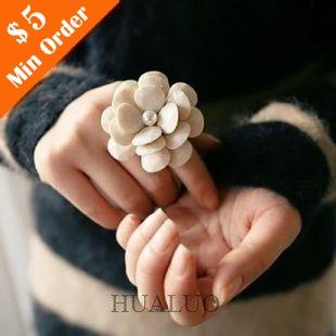 Fashion Lovely Big Camellia Cream coloured Ring Resizable R56