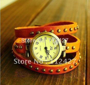 2015 год сбора винограда часы с корова кожаный ремешок женщины браслет часы с 3 кольцо заклепки части накаляются продажу во world-EP005