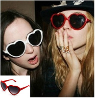 Retail Fashion Sunglasses Women   brand sunglasses Heart Shape sunglasses Party glasses Multicolor UV 400