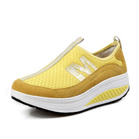 Free shipping factory price classic sneakers breathable mesh fabric for women running shoes increased sneakers 24 colors