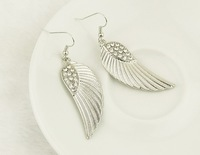 Min.order is $15 (mix order)-European And American Fashion Trends Angel Wings Earrings Factory Direct-E256