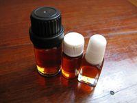 100% pure Lao Shan essential oil  Sandalwood oil Incense-India Sandalwood oil( essential oil )