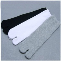 Clogs Socks Men's  white  is pure color two toe socks, toe socks, fashion clogs socks for women and men TABI  socks