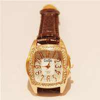 New 2013 Fashion Quartz Watch White Diamond Women Rhinestone Watches Leather Strap Watches Wristwatches Christmas Gifts