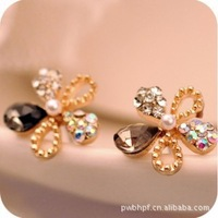 Korean Temperament Retro Flash Alloy Jewelry Five Leaves Flowers Earrings Popular Stud Earrings